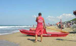 WCENTER 0LATABGJTZ - Sabaudia, un bagnino pronto a intervenire  -  Aldo Cepparulo  -