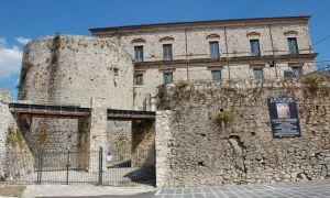 castello-macchiaroli-teggiano
