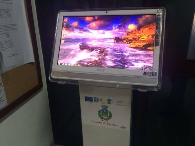 Comune multimediale: ecco i totem touch screen