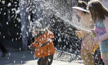 Carnevale-bombolette-spray