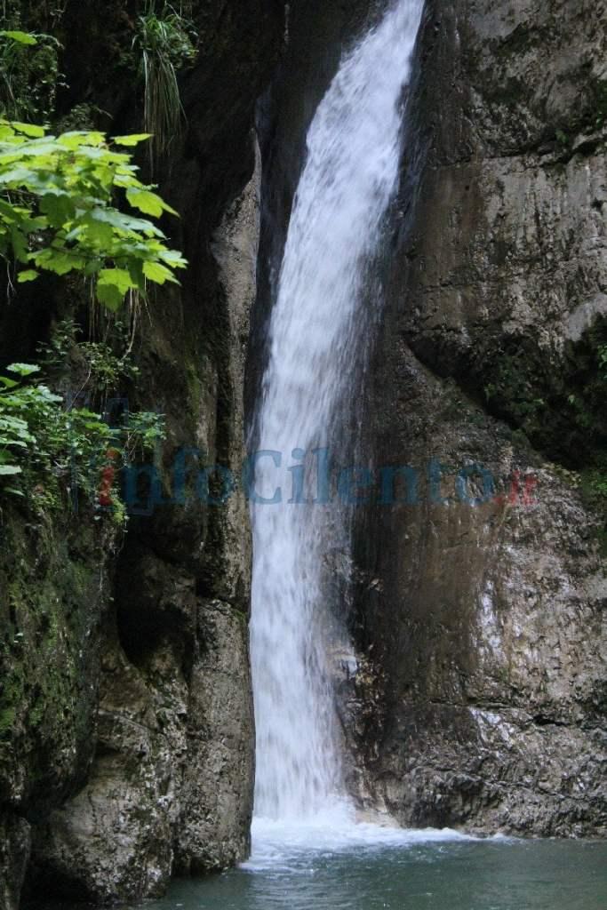 Una cascata sul Monte Cervati