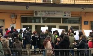 protesta_parmenide4