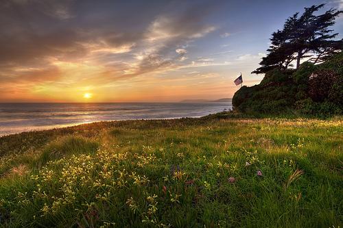 Indah = Pemandangan alam yang kaya warna - foto oleh Kevin Cole - Creative Commons