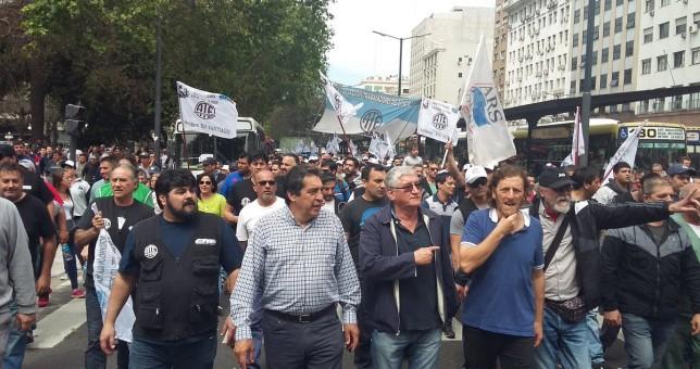 Para pedir trabajo, movilizaron los trabajadores del Astillero Río Santiago