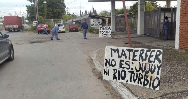 Contra los despidos, ocuparon la planta de Materfer en Córdoba