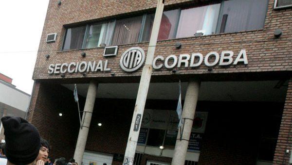 """La UTA prepara la """"normalización"""" de la seccional Córdoba y busca proscribir a los delegados"""