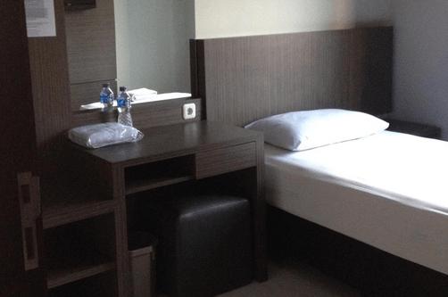 daftar hotel murah di cihampelas harga 100ribuan
