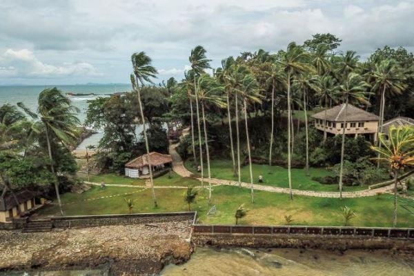 12 Villa di Anyer yang Bagus dekat Pantai Anyer
