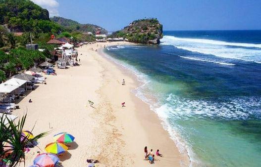 7 Penginapan dekat Pantai Indrayanti