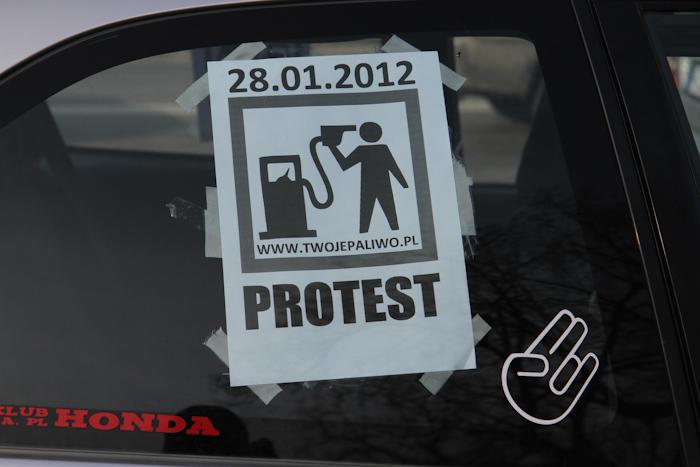 Protestowali przeciwko wysokim cenom paliw (zobacz zdjęcia)
