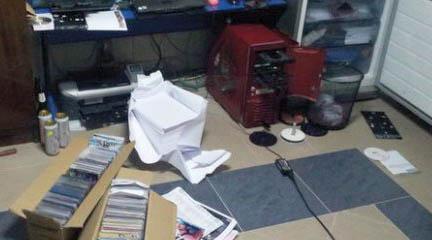 Policja zlikwidowała piracką wytwórnię płyt - trzy osoby zatrzymane