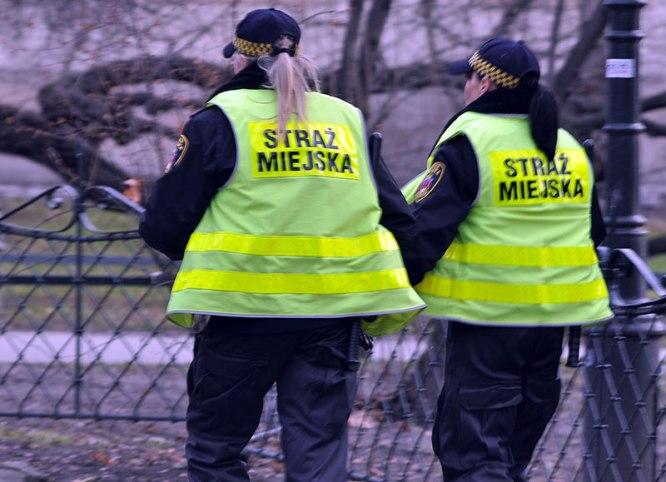 Straż-Miejska_patrol-Fot. Bogusław Świerzowski / INFO Kraków24