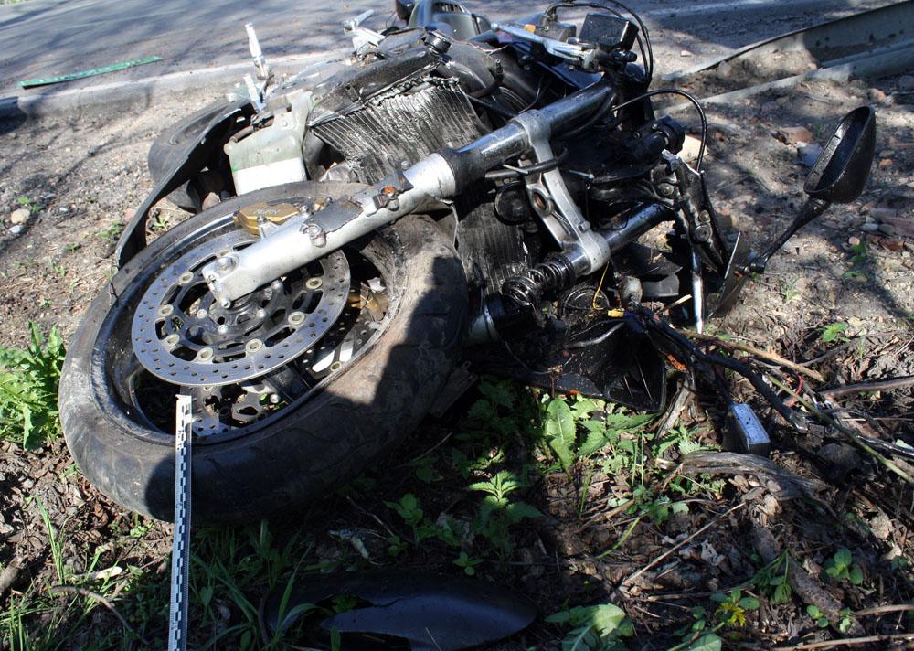 Motocyklista zginął w wypadku w Luszowicach