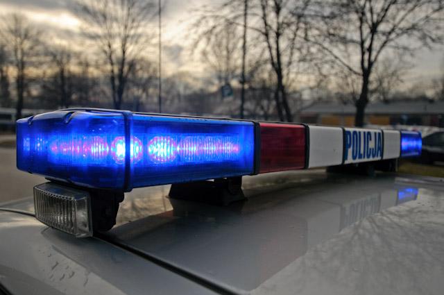 Proszowice: Ukrywał się przed policjantami w szafie