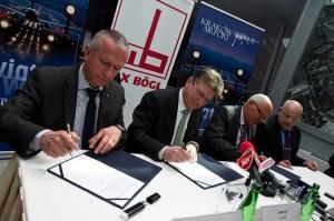 Podpisanie umowy. Fot. Jan Graczyński / INFO Kraków24