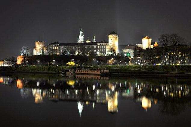 Nocny widok na Wawel. Fot.Bogusław Świerzowski/INFO Kraków24