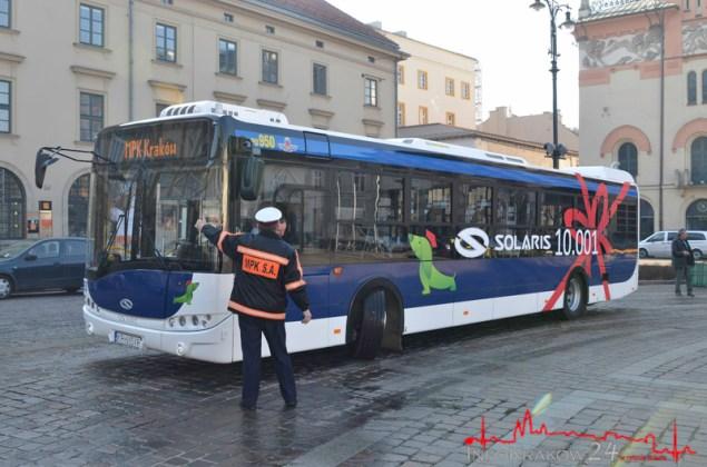 Pierwszy w Krakowie autobus z katalizatorem EURO6 . Fot. Bogusław Świerzowski/INFO Kraków24