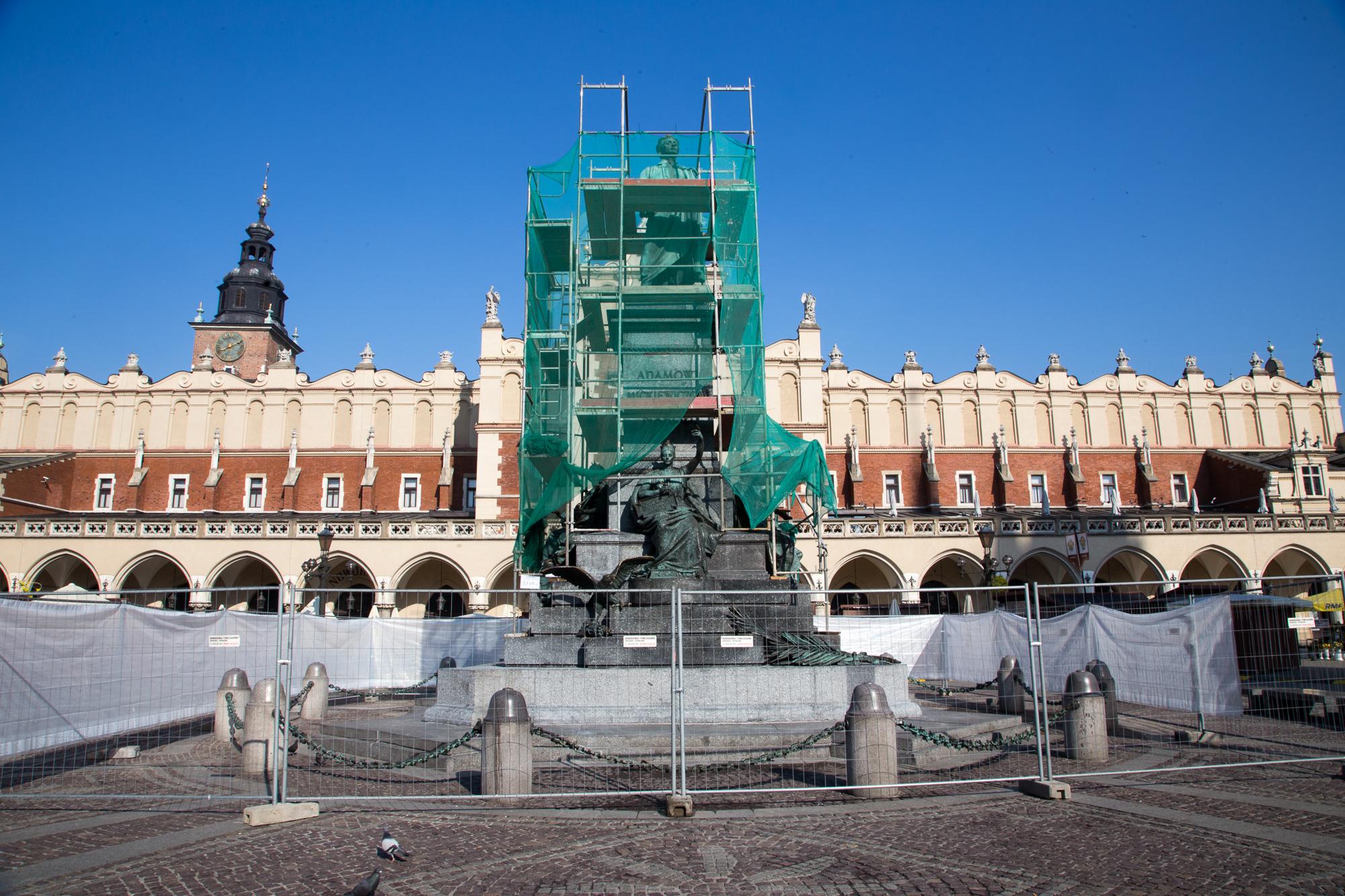 Pomnik Mickiewicza w orzeszkach