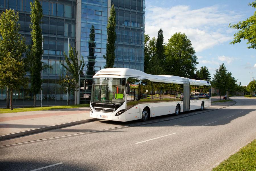 Jesienią 12 autobusów hybrydowych marki Volvo pojedzie ulicami Krakowa