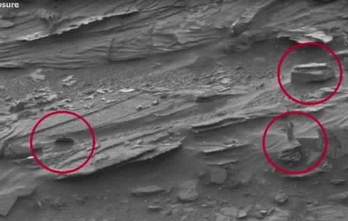 La-Nasa-a-decouvert-une-femme-extraterrestre-sur-Mars_2
