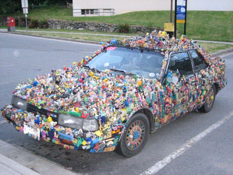 L'automobile, un jouet comme un autre. Voiture insolite ...