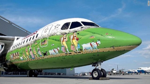 https://i1.wp.com/www.infolites.fr/wp-content/uploads/2016/05/painted_airplanes_add_a_splash_of_color_to_the_sky_640_07.jpg?w=747