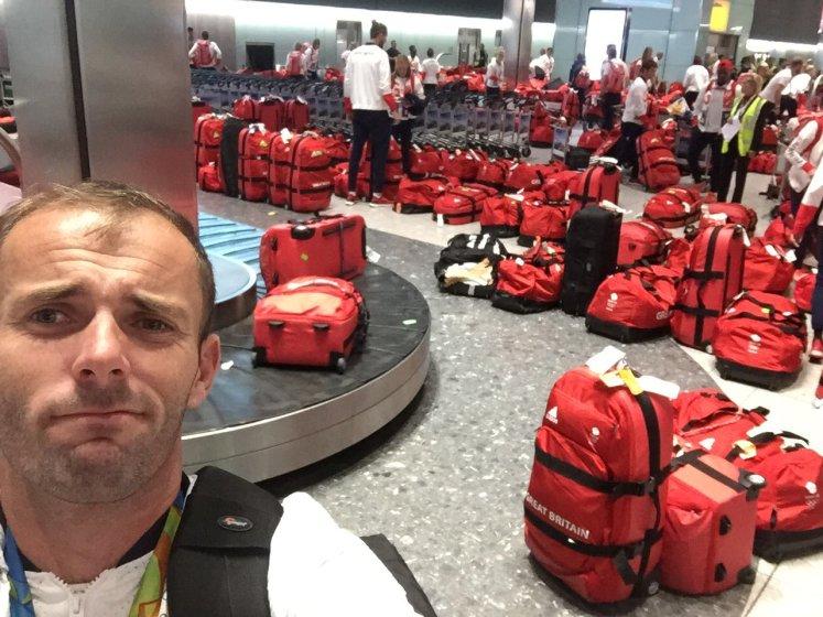 Quelqu'un a vu ma valise rouge ?