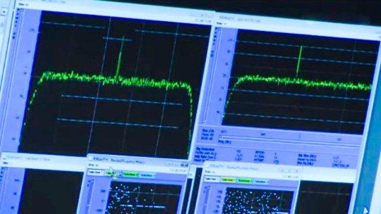 Rosetta_Wake-up_signal_large
