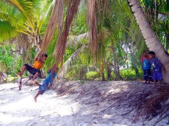 No rope? No seat? A few palm fronds will do the trick on Aur Atoll. Photo: David Mancini