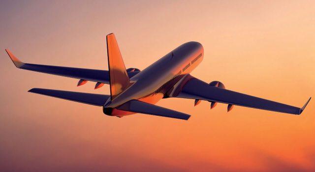 Aprovada em assembleia incorporação da Smiles pela Gol. Fonte Info Money -  Gol Boeing 737 smiles avião