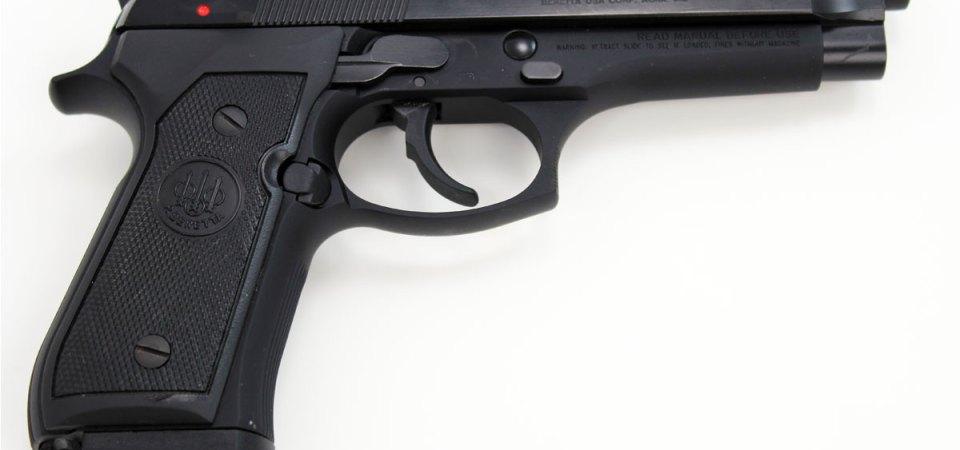 Pompei, sorpresi in possesso di una pistola pronta all' uso. Arrestati