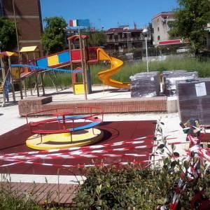 Arzano, l' associazione La Villa del Sorriso soddisfatta per la posa della pavimentazione antitrauma