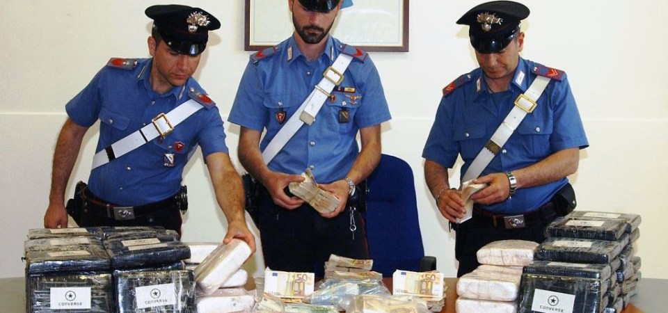 Marano, duro colpo al traffico di droga. I carabinieri sequestrano 76 kg di cocaina e 700 mila euro in contanti