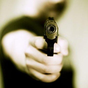Napoli, poliziotto libero dal servizio in piena notte sventa una rapina in una sala bingo