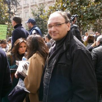 Napoli, aumenti tariffe Tares. Sit – in imprenditori e commercianti in piazza Dante