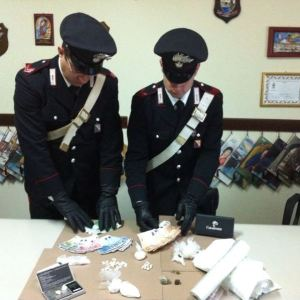 Affiliato dei Gionta spacciava a casa dei suoceri. I carabinieri lo arrestano