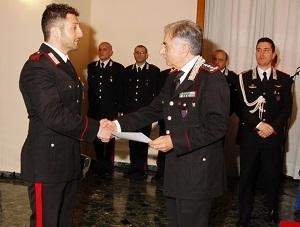 Carabinieri, il Generale di Corpo d'Armata Franco Mottola premia i militari dell'Arma distintisi in operazioni di servizio.