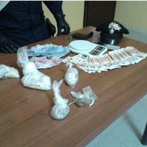 Casal di Principe, 400 grammi di eroina sequestrati in una villetta abitata da africani. Secondo caso in pochi giorni. Quattro arresti. Operazione condotta grazie alle segnalazioni dei cittadini.