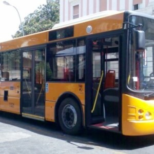 ANM Napoli, Autisti video-denunciano le pessime condizioni di un bus e vengono sospesi. Guarda il video realizzato