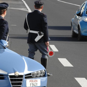 Rubavano a Firenze per rivendere a Napoli. Ladri in trasferta arrestati
