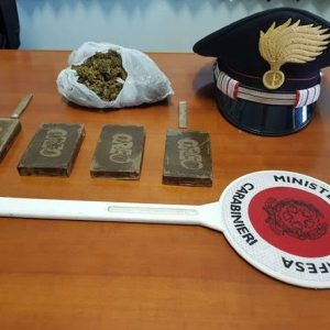 Nascondeva hashish e marijuana. Scoperto dai carabinieri arrestato pusher 36enne