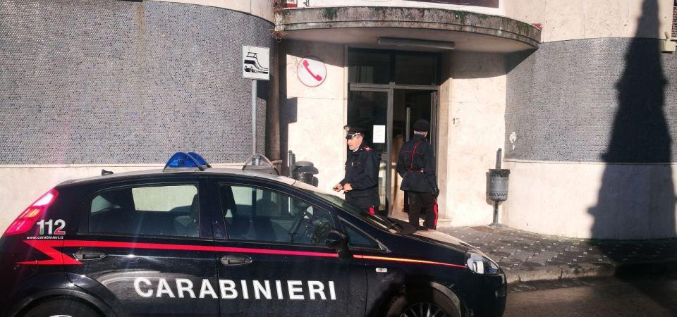 Meta di Sorrento, 38enne ucraino aggredisce il capostazione della Circumvesuviana. Arrestato dai carabinieri