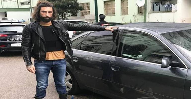 Caivano, arrestato uno degli aggressori della troupe di Striscia La Notizia. In via di identificazione i complici. Accertata la presenza di un 14enne