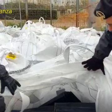 Nola, sequestrate 64 tonnellate di rifiuti speciali all'Interporto. Guarda il video