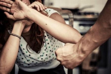 Escalation di violenza sulle donne in provincia di Napoli: Sei arresti e sette denunce
