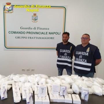 Emergenza Covid, 100 mila mascherine sequestrate tra Napoli e Casandrino