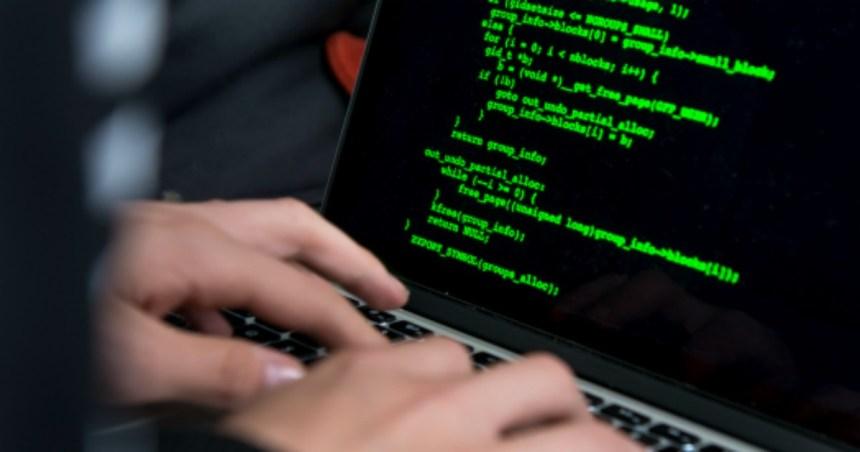 Hackerata Leonardo SPA. Trafugati 100.000 files. Arrestato dirigente ed ex dipendente