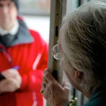 Frattamaggiore, truffa del pacco ad un 93enne. Ad attendere il falso corriere vi erano i carabinieri