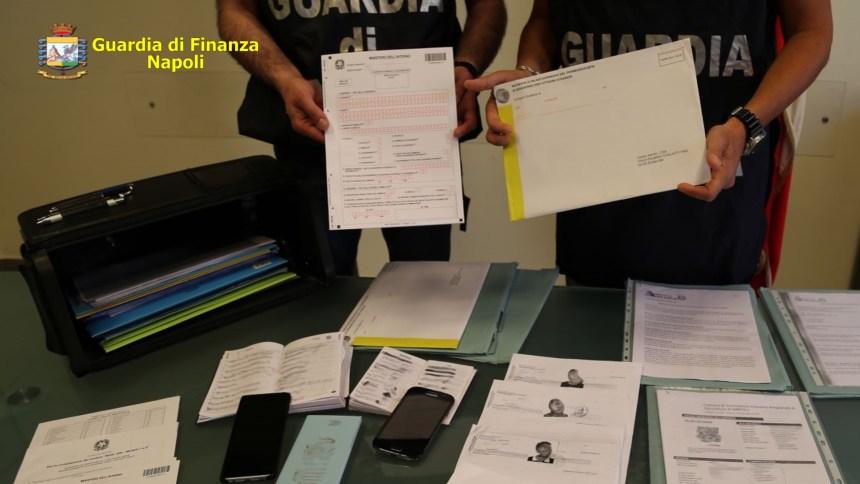 Napoli, documenti falsi e ricettazione. Sette pakistani sospettati di finanziare cellule terroristiche in Europa