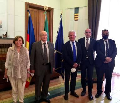 Sindaco con delegazione algerina e Ugo Picarelli